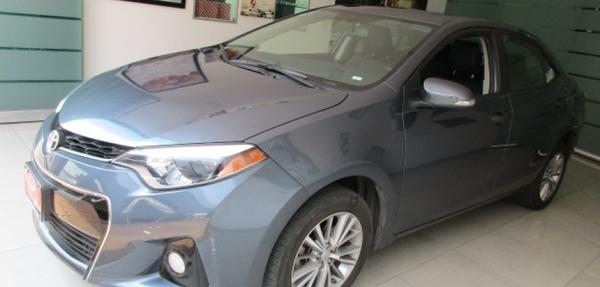 Toyota Corolla Lateral derecho 13
