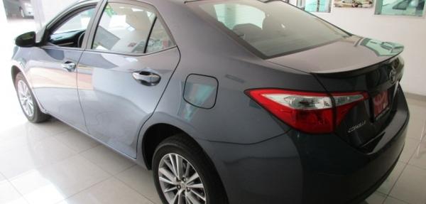 Toyota Corolla Lateral derecho 12