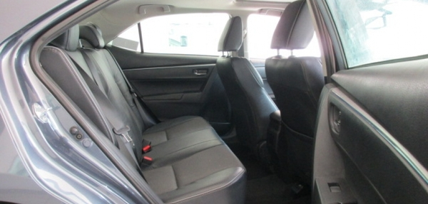 Toyota Corolla Lateral izquierdo 5