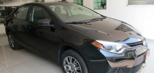 Toyota Corolla Lateral derecho 14