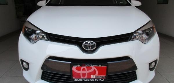Toyota Corolla Lateral izquierdo 12