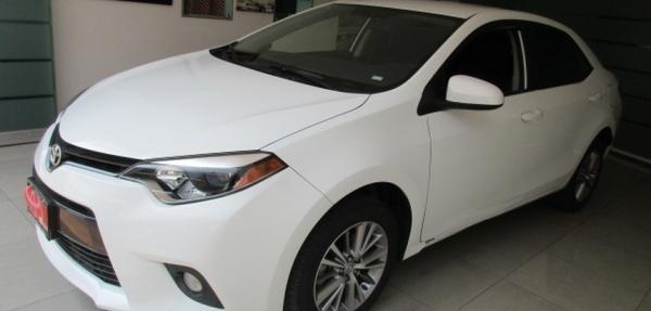 Toyota Corolla Lateral izquierdo 11