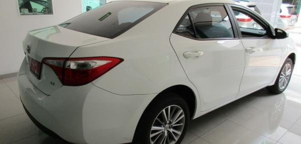 Toyota Corolla Lateral izquierdo 8