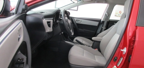 Toyota Corolla Lateral derecho 8