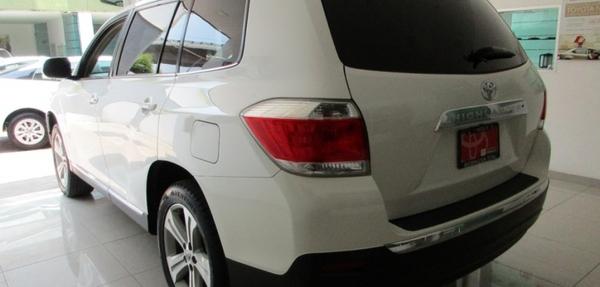 Toyota Highlander Llantas 12