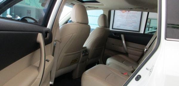 Toyota Highlander Atrás 7