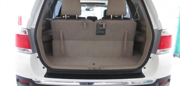 Toyota Highlander Lateral derecho 6