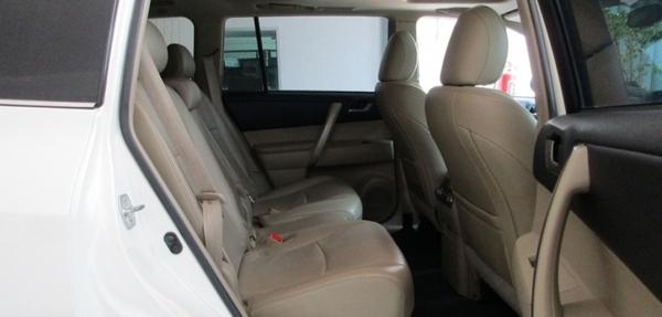 Toyota Highlander Atrás 5
