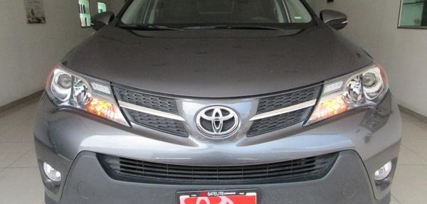 Toyota RAV4 Frente 11