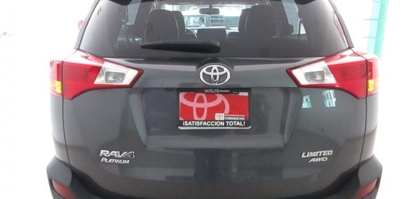 Toyota RAV4 Arriba 8