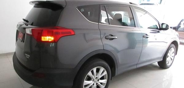 Toyota RAV4 Llantas 7