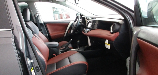 Toyota RAV4 Interior 1