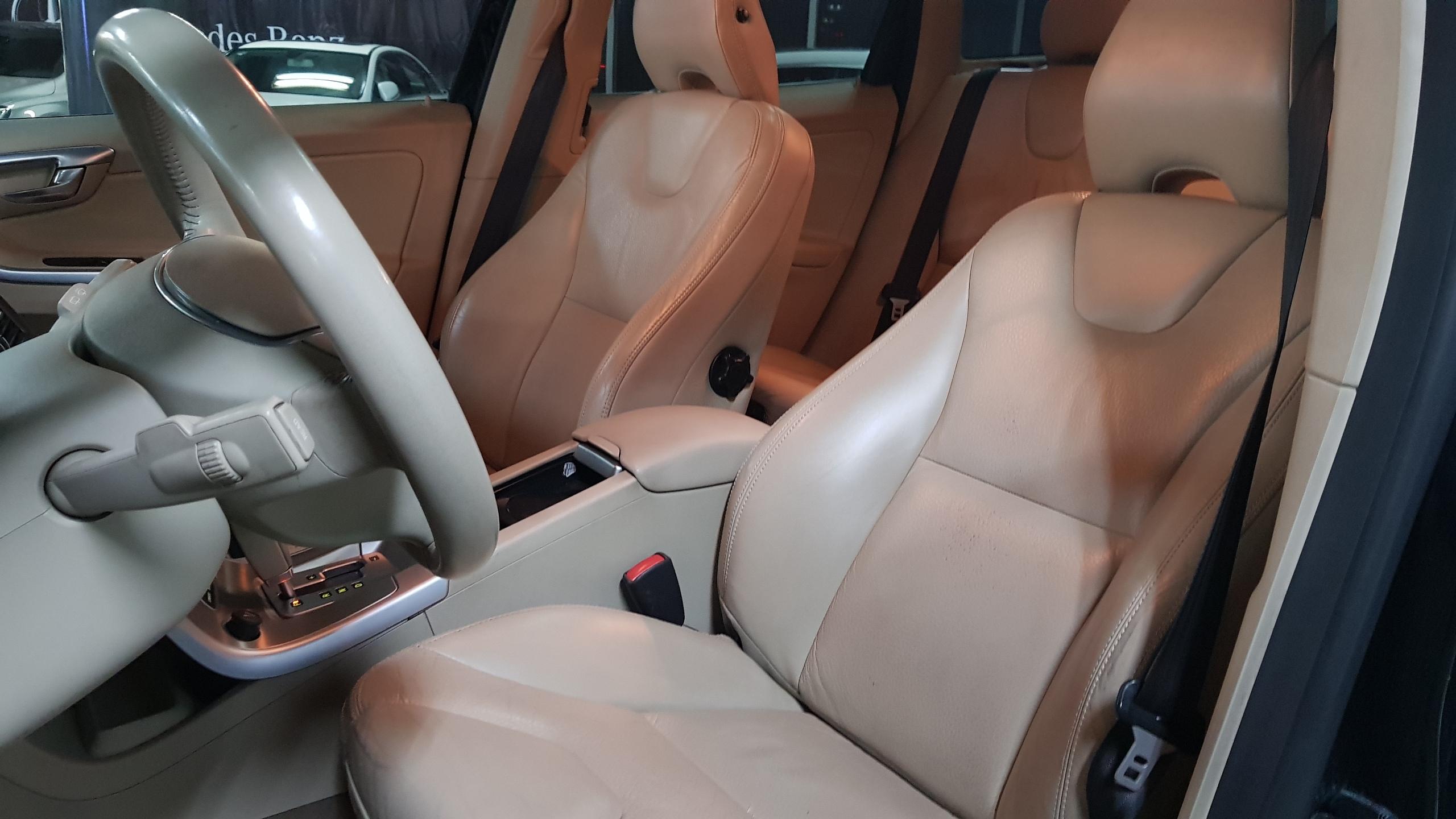 Volvo XC60 Arriba 3