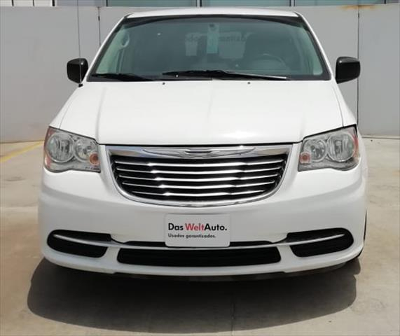 chrysler-town-and-country-2015